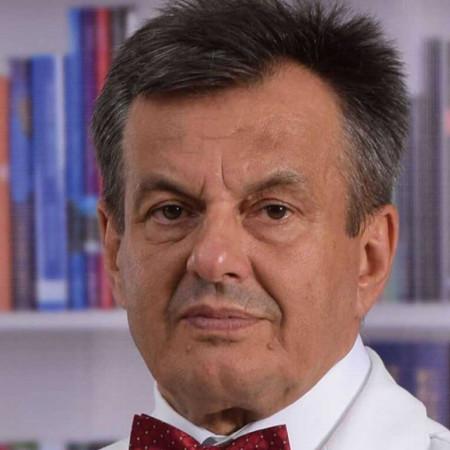 Dr Slobodan Marjanović je specijalista interne medicine, hematolog sa višegodišnjim iskustvom. Bavi se lečenjem bolesti krvnih i limfnih sudova.