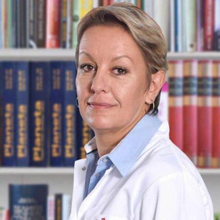 Dr Ivana Marković je stomatolog u Beogradu. Ima višegodišnje iskustvo u radu sa pacijentima u privatnim i državnim ustanovama. Zakažite pregled.