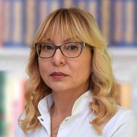 Dr Svetlana Popović je specijalista oftalmologije iz Beograda, sa dugogodišnjim iskustvom u lečenju slabovidosti i razrokosti dece i odraslih. Saznajte više i zakažite.