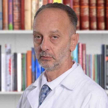 Dr Bojan Lukić je specijalista anesteziologije i reanimatologije iz Beograda, pri svim vrstama ambulantnih i hirurških intervencija. Pročitajte više i zakažite pregled.
