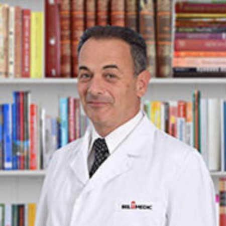 Doc. dr Nenad Ratković je specijalista interne medicine, kardiolog iz Beograda, zaposlen na VMA više od 25 godina. Pročitajte više i zakažite pregled.