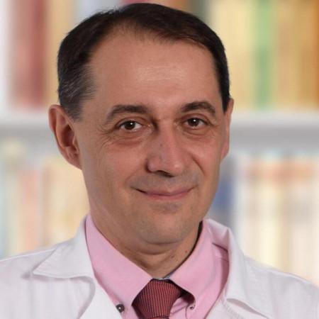 Dr Radivoje Lazić je specijalista urologije u Požarevcu. Bavi se urološkom onkologijom i dijagnostikom i lečenjem steriliteta. Zakažite pregled