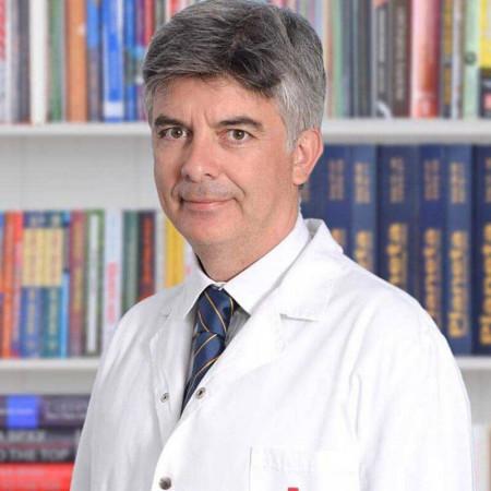 Dr Radoslav Romanović je specijalista interne medicne, kardiolog u Beogradu. Ima višegodišnje iskutvo u lečenju kardioloških bolesnika. Zakažite pregled