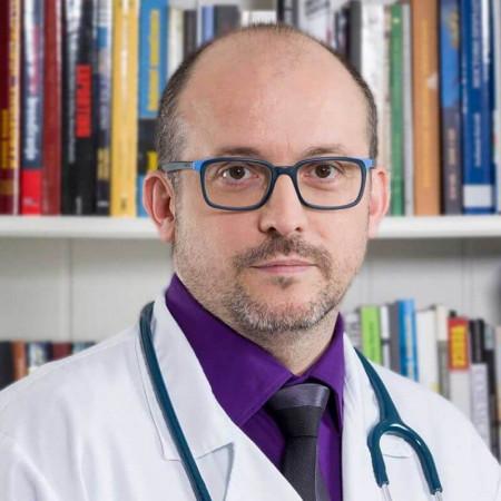Dr Vladan Milojević je specijalista pedijatrije, neonatolog iz Beograda. Obavlja sve dijagnostičke i terapijske procedure. Pročitajte više i zakažite pregled.