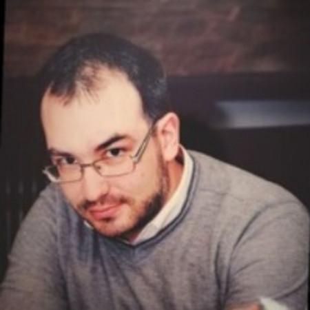 Dr Srđan Sanja Melentijević je specijalista anesteziologije iz Beograda, zaposlen u KBC Zvezdara i privatno. Pročitajte više i zakažite pregled.