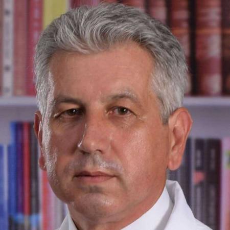 Dr Miroslav Cvetanović je opšti hirurg, sa subspecijalizacijom iz digestivne hirurgije, iz Beograda. Obavlja otvorene i laparoskopske procedure. Zakažite pregled.