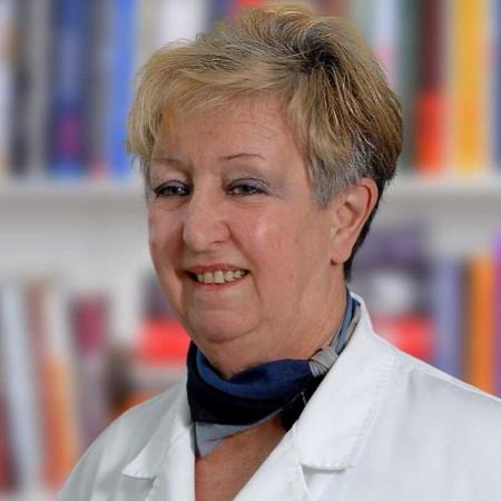 Prim. dr Nives Kraus je specijalista oftalmologije iz Beograda. Bavi se kompletnom dijagnostikom i terapijom u okviru oftalmologije, sa posebnim osvrtom na glaukom.