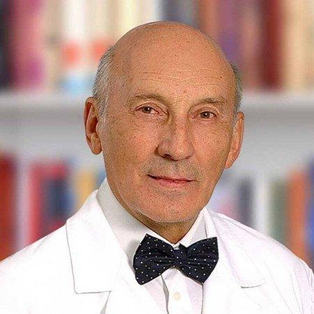 Prof. dr Vojkan Stanić, grudni hirurg i profesor hirurgije na Vojnomedicinskoj akademiji u Beogradu. Pročitajte više o doktoru i zakažite pregled.