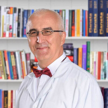 Dr Jovan Stoiljković je pulmolog sa dugogodišnjim iskustvom u lečenju dece i odraslih. Zaposlen je u Beogradu. Pročitajte više o doktoru i zakažite pregled.