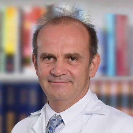 Dr Vladimir Radojević je specijalista urologije iz Beograda, stručnjak u oblasti lečenje kamena u urinarnom traktu. Pročitajte više i zakažite pregled.