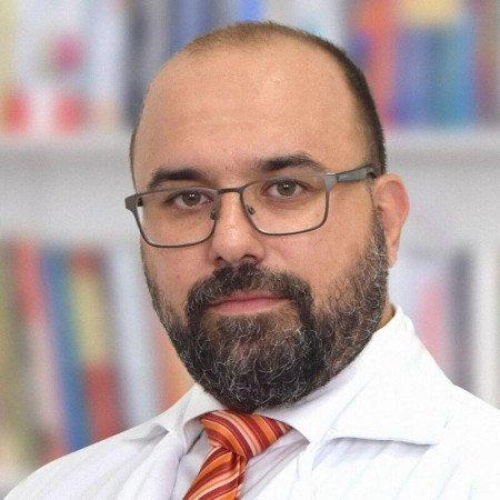 Dr Branko Barać je specijalista interne medicine - reumatolog iz Beograda. Saznajte više o doktoru i zakažite pregled.