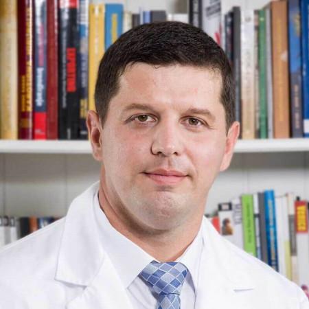 Dr Marko Čvorović je specijalista ortopedije iz Beograda, sa višegodišnjim iskustvom pretežno u lečenju traumatskih povreda. Pročitajte više i zakažite.