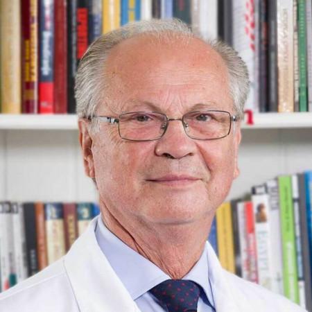 Prof. dr Steva Plješa je specijalista interne medicine - nefrolog iz Beograda, veliki stručnjak sa dugogodišnjim iskustvom. Pročitajte više i zakažite pregled.