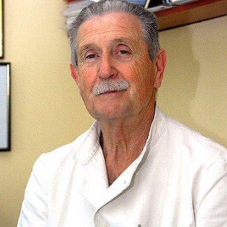 Prof dr Predrag Đorđević je specijalista endokrinologije. Cenjeni profesor, stručnjak za lečenje dijabetesa, gojaznosti i bolesti pankreasa.
