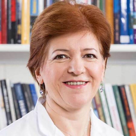 Dr Živana Cvijan Stevančević je specijalista radiologije u Beogradu. Bavi se dečijom radiologijom dugi niz godina.