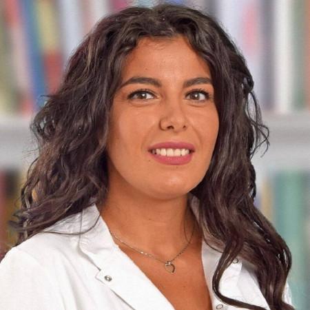 Dr Milica Ostojić je lekar opšte medicne. Uža oblast interesovanja joj je interna i urgentna medicina. Zakažite pregled.