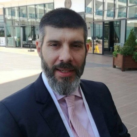 Spec. dr med. Damjan Slavković, Specijalista opšte hirurgije