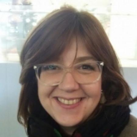Radmila Vulić Bojović je klinički psiholog i sistemski porodični terapeut, radi u Beogradu sa porodicama, parovima i pojedincima. Pročitajte biografiju i zakažite.