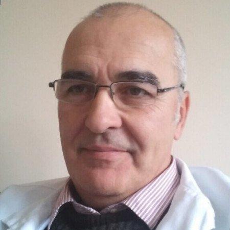Dr Srbislav Stevanović specijalista je fiziklane medicine sa rehabilitacijom iz Beograda sa zvanjem primarijusa. Pročitajte biografiju i zakažite pregled 063/687-460