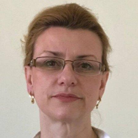 Dr Irena Grkić je specijalista neurologije u Beogradu. Uža specijalnost joj je lečenje bolesnika koji su doživeli moždani udar.