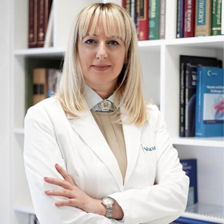 Dr Slađana Božović Ogarević je specijalista kardiologije u Beogradu. Uža specijalnost joj je lečenje poremećaja srčanog ritma.