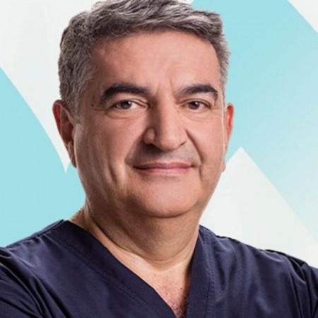 Dr Milan Mijović je specijalista grudne hirurgije. Ima višegodišnje iskustvo u minimalno invazivnim procedurama u torakalnoj hirurgiji. Zakažite pregled 063/687-460