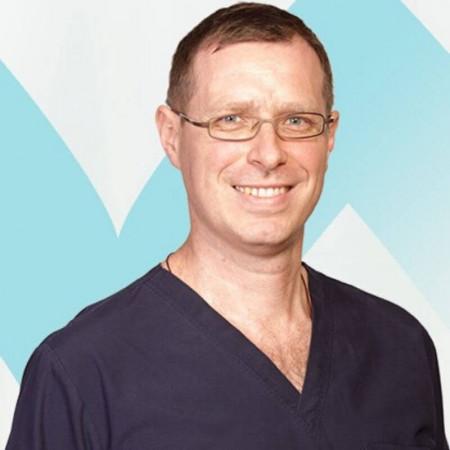 Dr Đorđe Aleksić je specijalista urologije iz Beograda. Ima višegodišnje iskustvo u laparoskopskoj hirurgiji u okviru urologije. Zakažite pregled 063/687-460