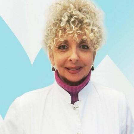 Dr Vesna Bajković je stomatolog u Beogradu. Uža specijalnost joj je protetika.  Zakažite pregled 063/687-460