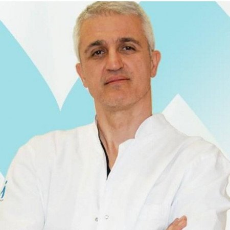 Dr Sava Durković je specijalista grudne hirurgije u Beogradu. Dugi niz godina je radio u Italiji na prestižnom univerzitetu. Zakažite pregled 063/687-460