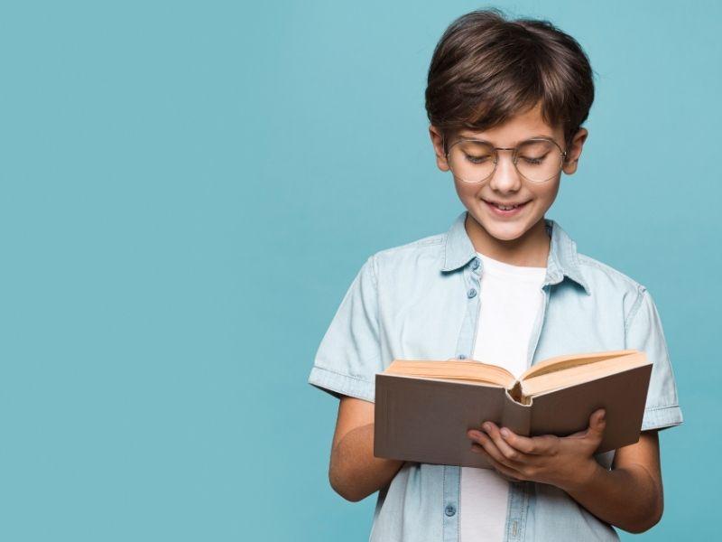 """""""Ja sam mu kupio knjigu, a on neka je čita"""""""