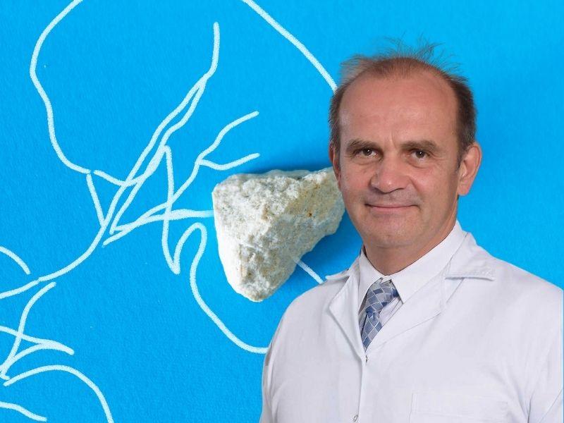 Kamen u bubregu, intervju sa urologom: Dr Vladimir Radojević