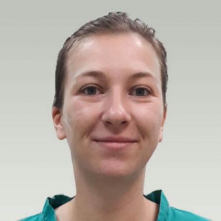 Tina Stojadinović je biolog u bolnici Spebo u Leskovcu, specijalizovanoj za veštačku oplodnju i lečenje steriliteta. 063/687-460
