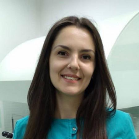 Aleksandra Stojiljković jebiologu bolnici Spebo Medical u Leskovcu, specijalizovanoj za veštačku oplodnju i lečenje steriliteta. Zakažite 063/687-460