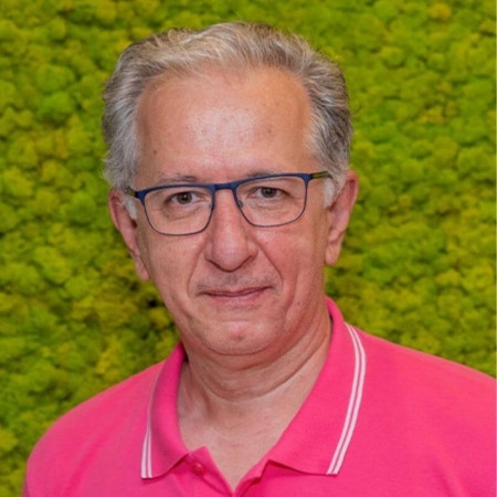 Dr Dragan Šarac je specijalista dečje urologije. Bavi se hirurškim lečenjem razvojnih poremećaja urotrakta kod dece i adolescenata. Zakažite pregled 063/687-460