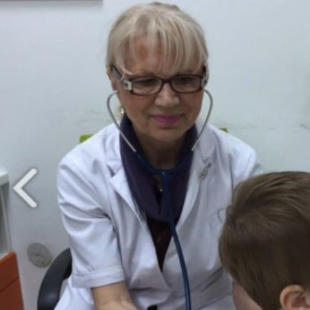 Prim. dr sci. med. Ruža Bajić, Specijalista pedijatrije