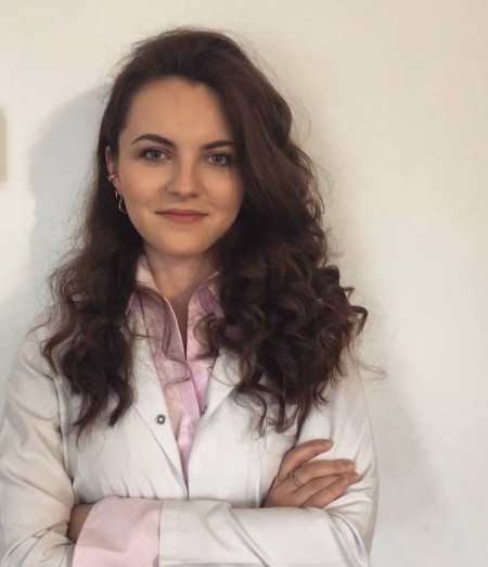 Dr Tijana Grujić, Doktor medicine