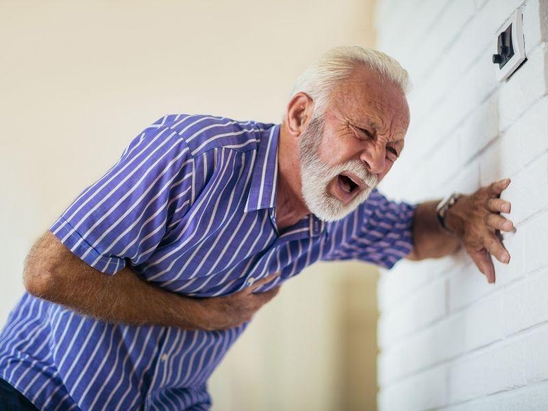 Bol u grudima kao simptom koji zahteva pregled kardiologa