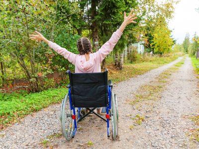 Povodom Svetskog dana multiple skleroze, informisali smo se o inovativnoj terapiji i o trudnoći sa multiplom sklerozom, a čuli smo i o iskustvu jedne pacijentkinje.