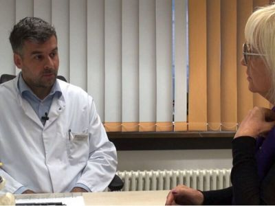 Dr Branko Krajnović je jedan od najmlađih, a najboljih spinalnih hirurga sa naših prostora. Edukovao se u Nemačkoj i sa velikim uspehom radi operacije kičme.