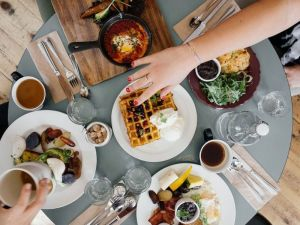 Uravnotežena ishrana je dobra i za dijabetičare i zdrave osobe